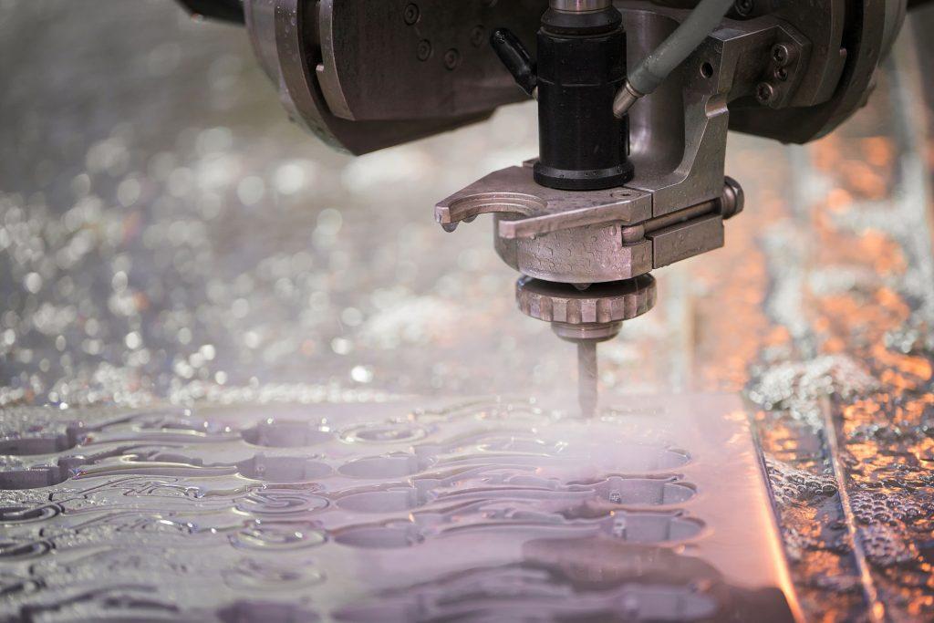 découpe jet d'eau pour des découpes complexes